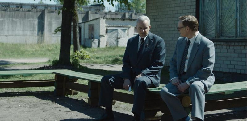 Stellan Skarsgård and Jared Harris in Chernobyl (2019)-1569331418867