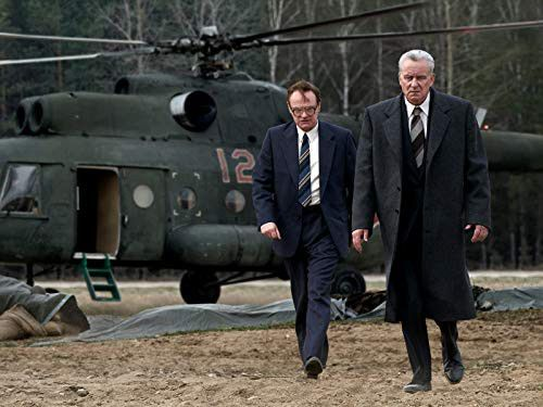 Stellan Skarsgård and Jared Harris in Chernobyl (2019)1-1569331417054