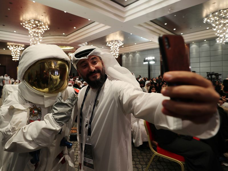 Emirates_Astronaut_69803