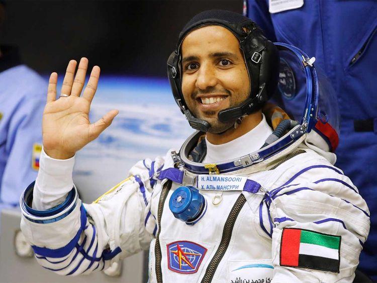 هزاع المنصوري ثالث رواد الفضاء العرب يصل إلى محطة الفضاء الدولية بسلام