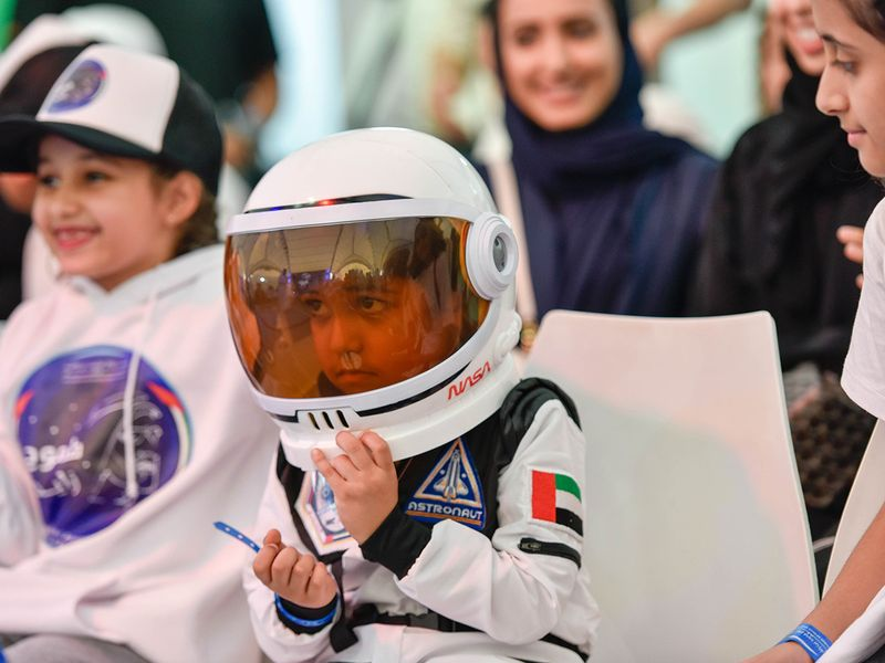 WEB-UAE-SPACE-PEOPLE3322-(Read-Only)