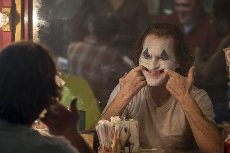 Joaquin Phoenix in Joker  1-1569482410435