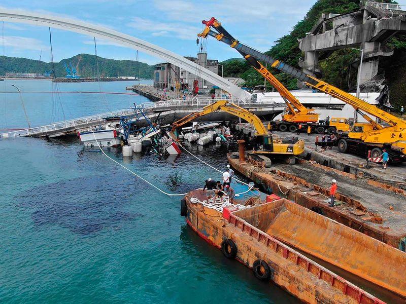 191001 collapsed bridge