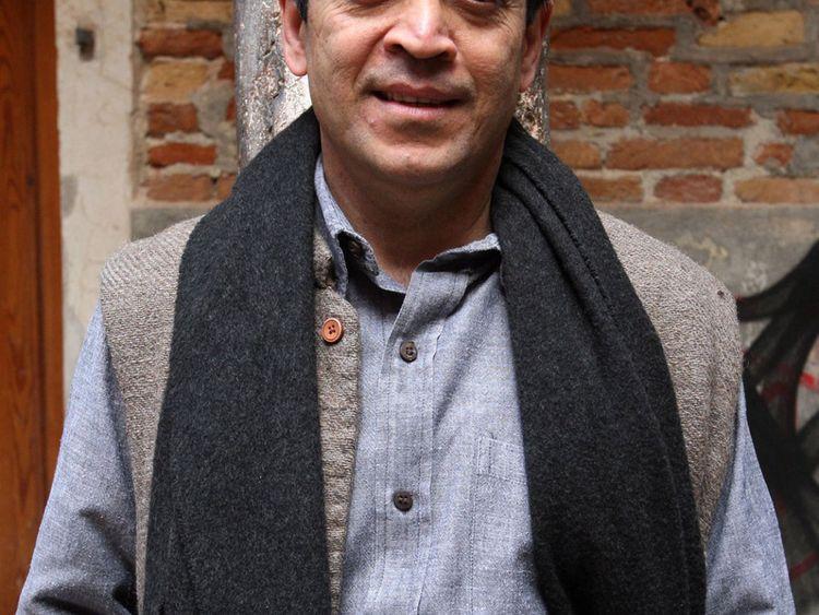 NAT Vikram Seth,-1569922037941