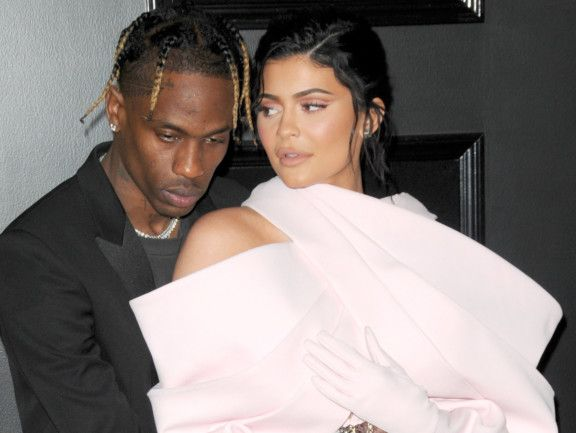 tab 191003 Kylie and Travis Scott-1570088512859