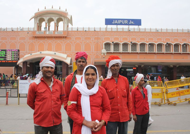Manju Devi, the first and only woman porter at the Jaipur railway station (Photo Credit - NILIMA PATHAK)-1570186887024
