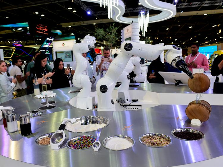 NAT 191007 GITEX ROBOT CAFE -5-1570450862479