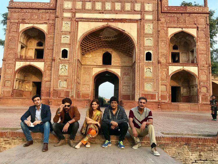 Sami Khan, Ayesha Omar with writer director Khali ur Rehman Qamar and others at the shoot of KAAF KANGANA-1570435961198