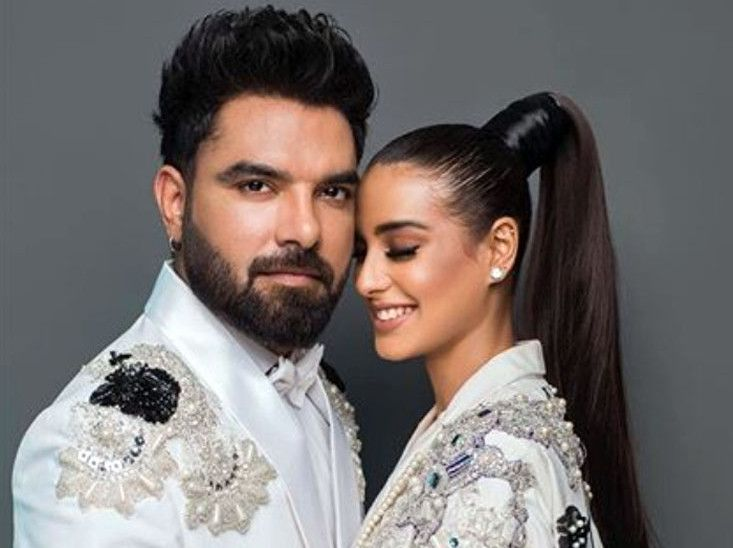 Yasir Hussain and Iqra Aziz-1570435917844