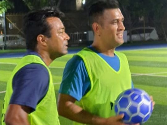 Mahendra Singh Dhoni with Leander Paes