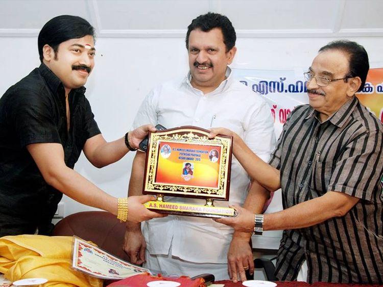 Krishnakumar with K Muraleedharan and Abdu Rabb