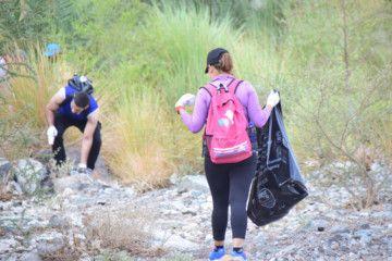 Wadi Shawka Clean up - Image 3-1570719895503