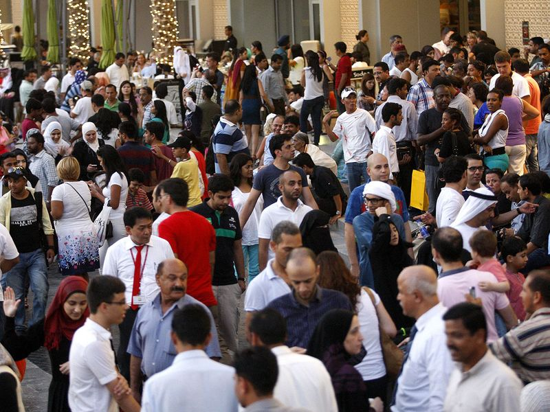 DUBAI-MULTICULTURAL-PEOPLE
