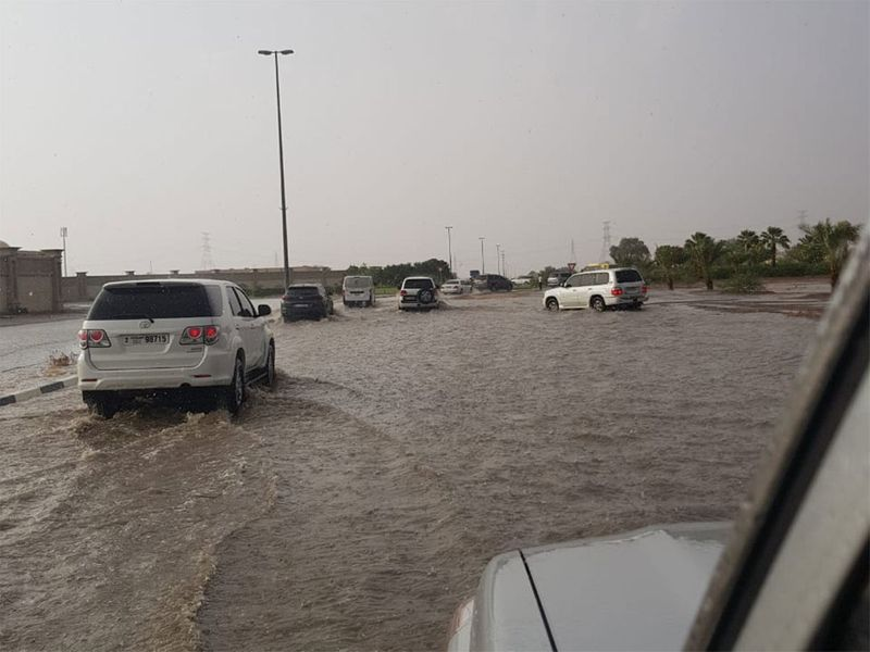 Heavy rain, hail in Sharjah 54545