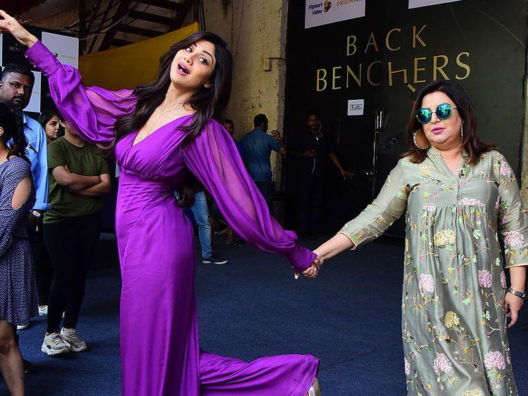Shilpa Shetty Kundra (L) and director/choreographer Farah Khan