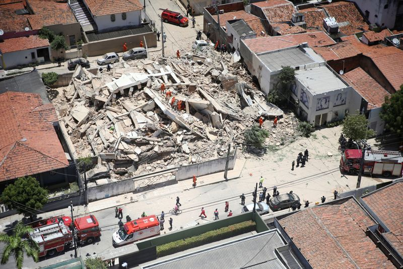 Copy of 2019-10-15T185611Z_1362315714_RC1B1E343E80_RTRMADP_3_BRAZIL-BUILDING-COLLAPSE-1571228559300