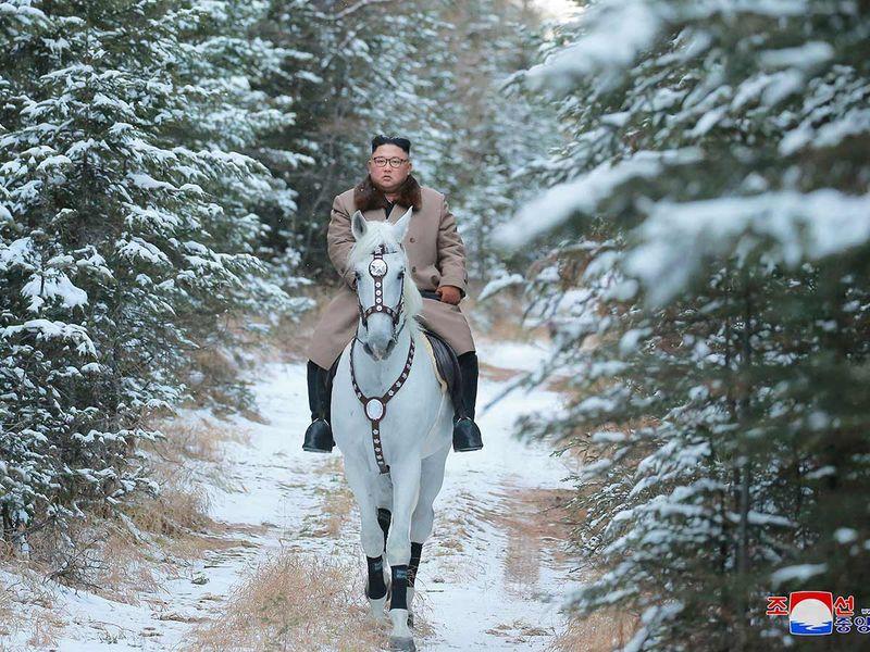 Kim Jon Un horse riding 20191016