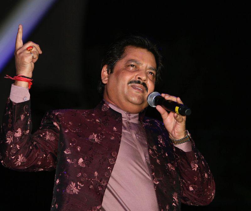 Udit Narayan1-1571231310983