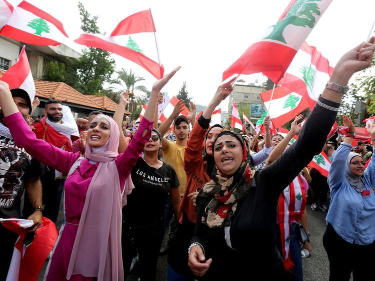 Copy of 2019-10-20T132931Z_2067744537_RC158CEF7A00_RTRMADP_3_LEBANON-PROTESTS-1571580059427
