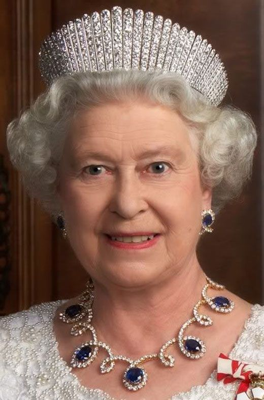 Queen Elizabeth II wearing jewellery from Dubai Ruler