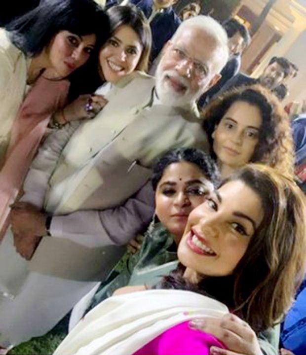 Bollywood actors click a selfie