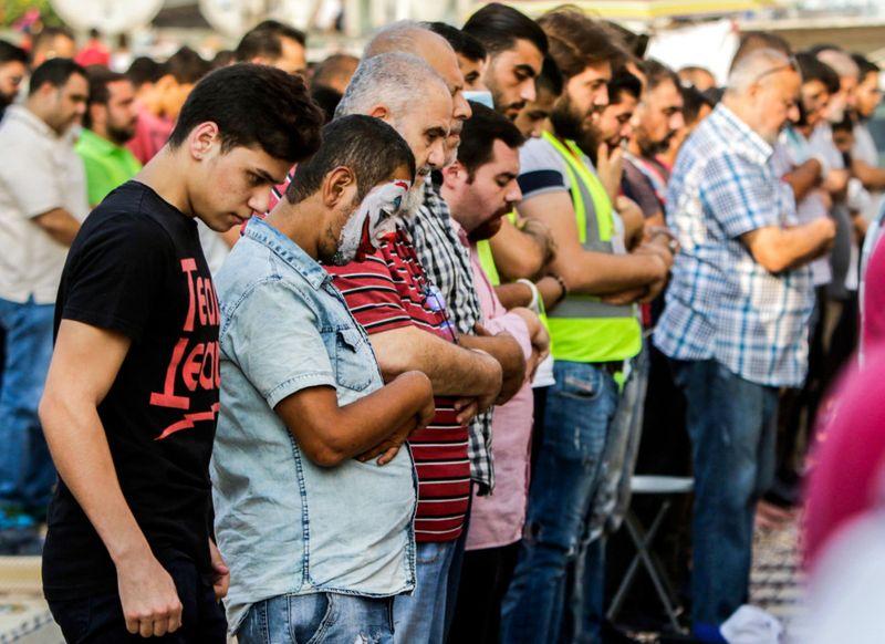 REG lebanon Muslim-1571815682454
