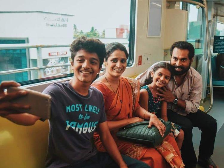 Suraj Venjaramoodu, Surabhi Lakshmi with child actors Nabeesh and Neha in Vikrithi-1571812507966
