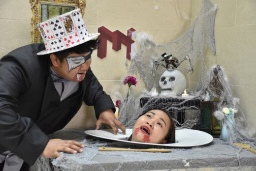 Head on a Platter at the Musuem of Illusions-1572068743763