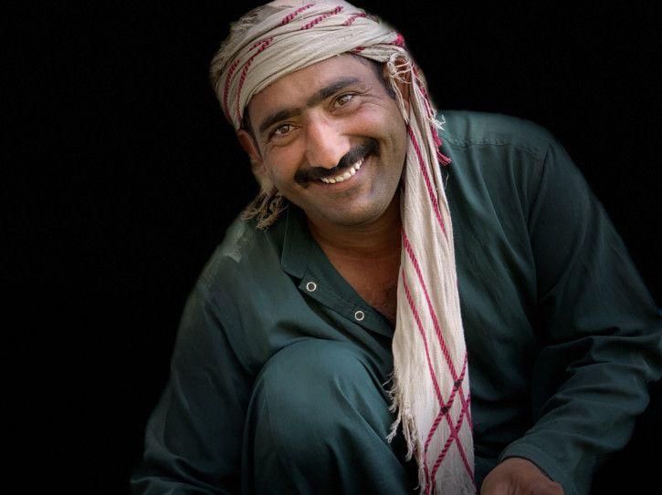 Invisibles- Liaquat Ali – Gardener (Kyra Dupont Troubetzkoy)-1572278480252