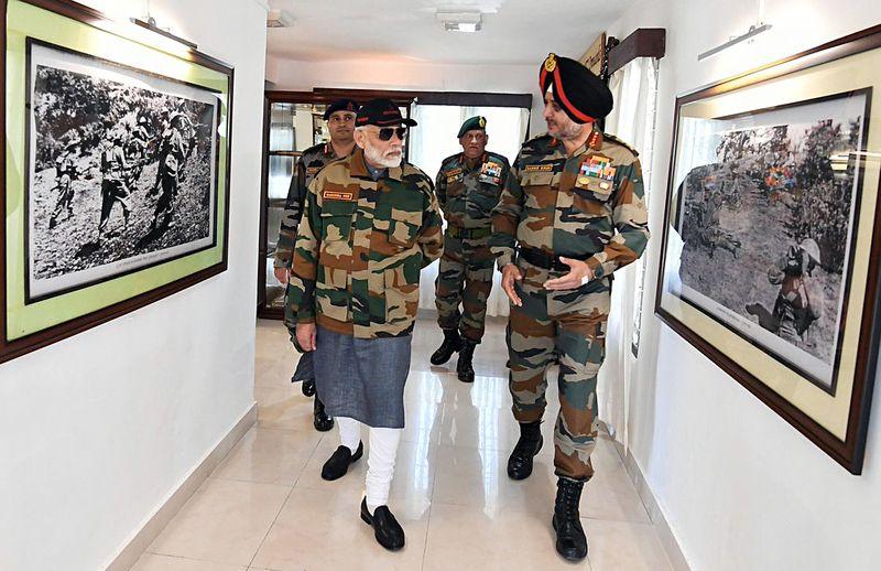 Modi celebrates Diwali with army