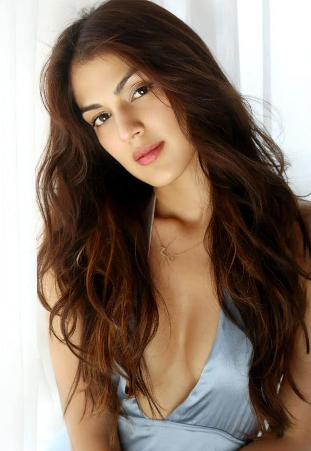 Rhea Chakraborty photos