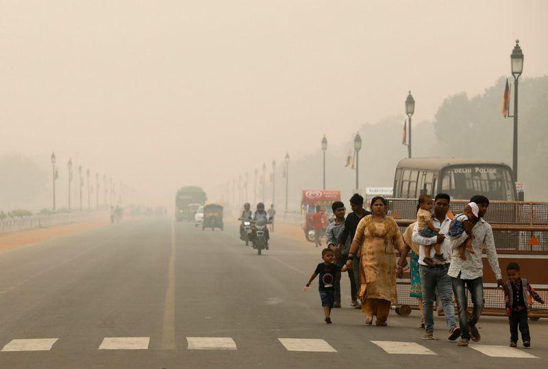 BUS 191101  India_Toxic_Air1-1572613159498