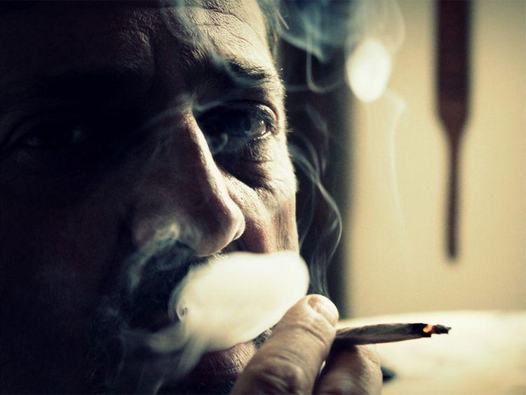 Heavy smoking makes smoker look older