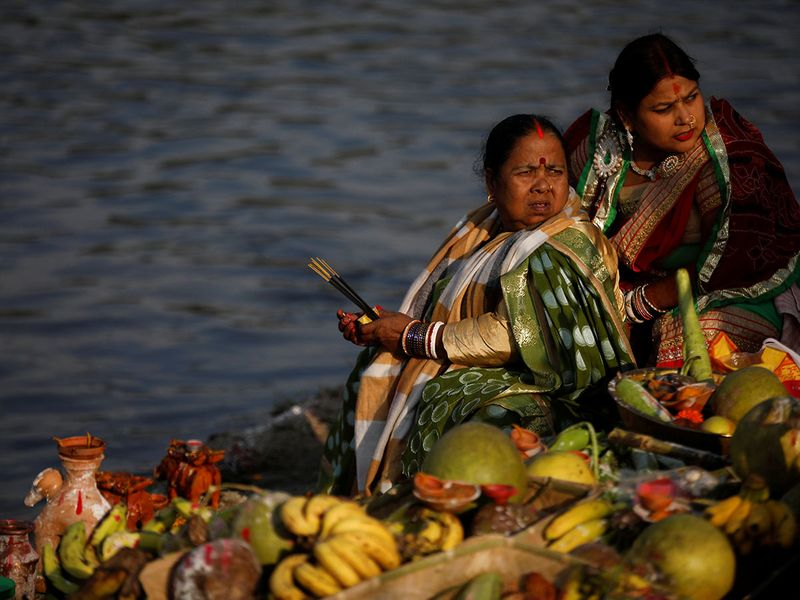 2019-11-02T123457Z_1952383379_RC14F859B8A0_RTRMADP_3_RELIGION-CHHATH-(Read-Only)