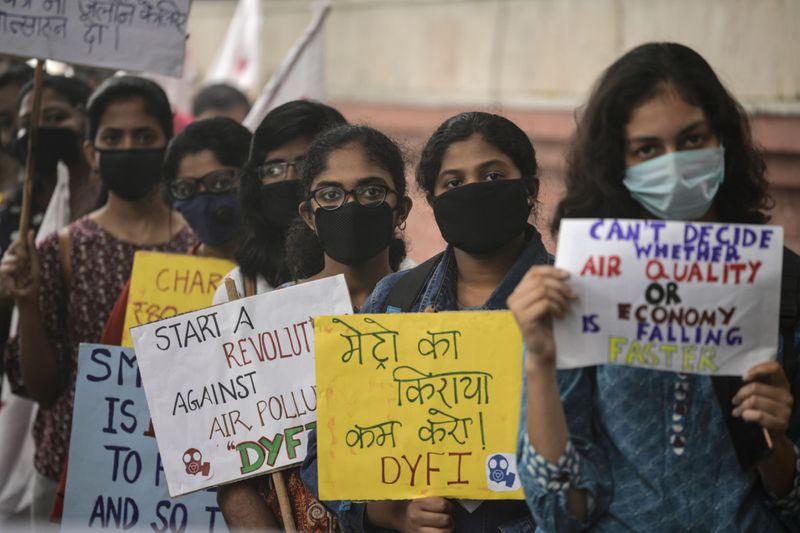 win_191103 protest pollute-1572776110161