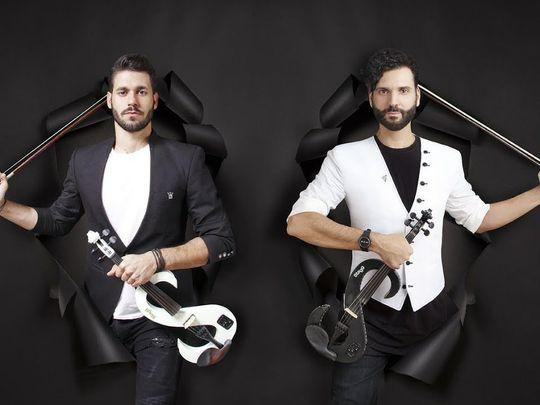 Duo Violins-1572865357534