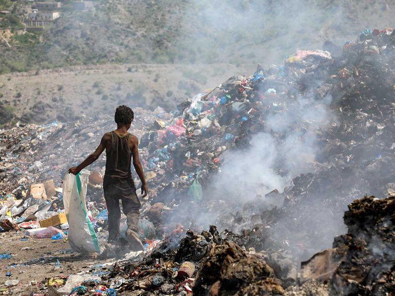 191105 yemeni trash