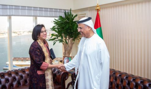BUS 191106 Obaid Humaid Al Tayer meets Indonesian Minister of Finance1-1573042641665