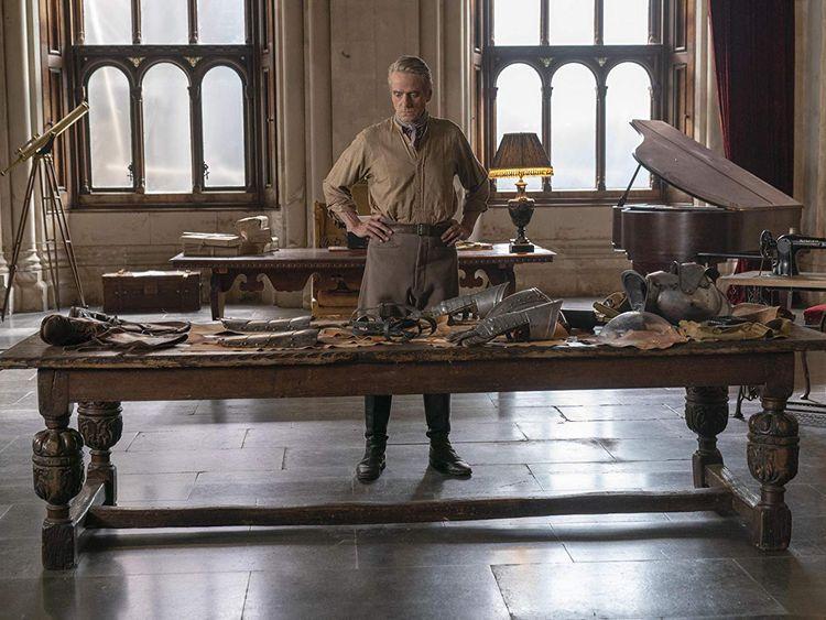 Jeremy Irons in Watchmen (2019)-1573046838359