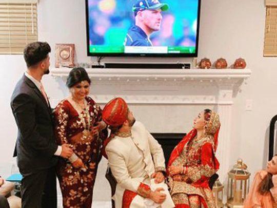 Pakistani couple wedding cricket