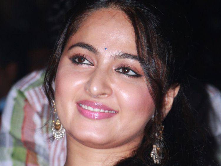 TAB 191108 Anushka Shetty-1573205722068