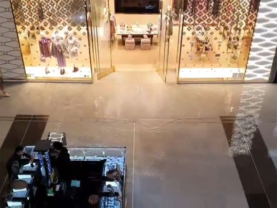 Dubai mall flood