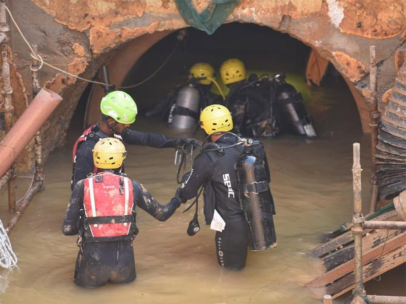 201091112_Oman_rescue_operations