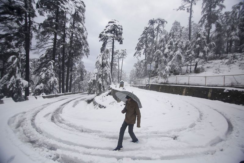 Snow in Kashmir Nov 2019