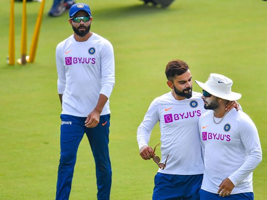 Virat Kohli with teammates Rishabh Pant and Ravindra Jadeja