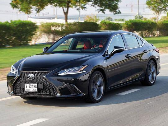 Auto Lexus ES