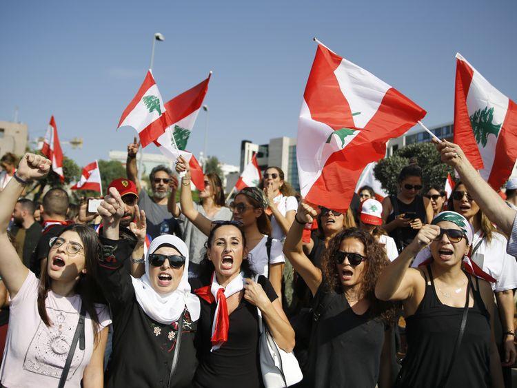 OPN 191115 Lebanon_Protests-1573815320607
