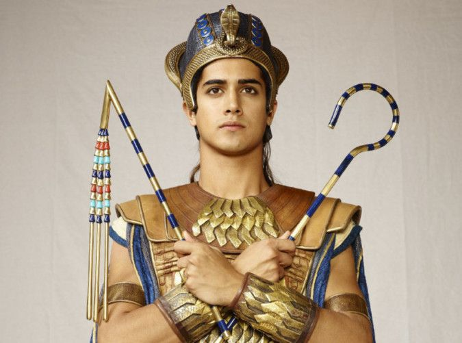 Avan Jogia in Tut - photo 3-1573908081249