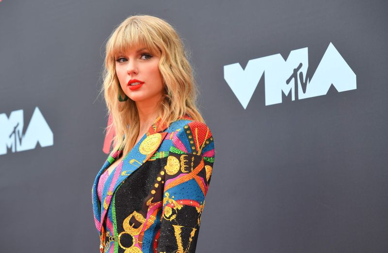 Taylor Swift-1573886712195
