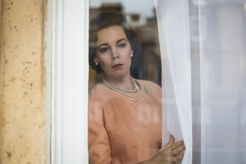 The Crown review3-1573909885721
